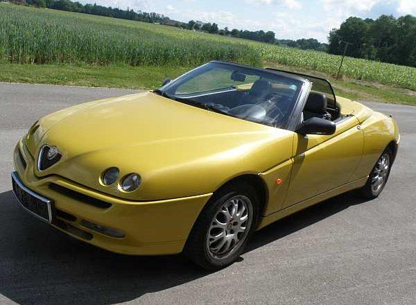 Alfa Romeo Spider 916 Sondermodell Giallo