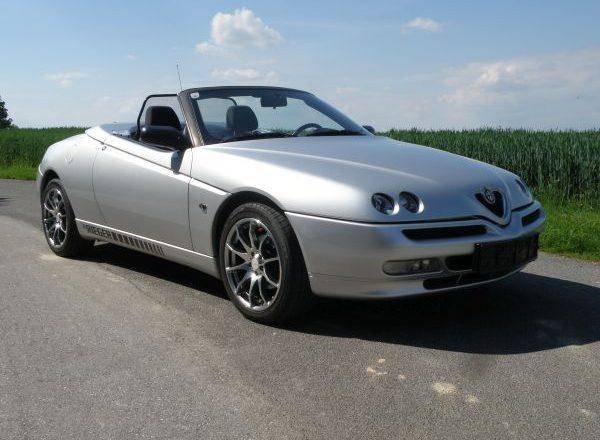 Alfa Romeo Spider 916S Twin Spark